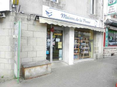 Fonds et murs commerciaux a vendre Plestin-les-Grèves 22310 Cotes-d'Armor  42400 euros