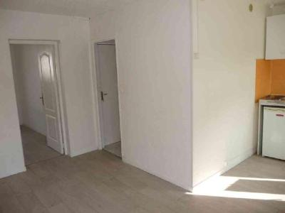 Location appartement Béthune 62400 Pas-de-Calais 29 m2 1 pièce 350 euros