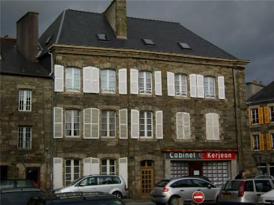 Immeuble de rapport a vendre Carhaix-Plouguer 29270 Finistere 340 m2  472500 euros