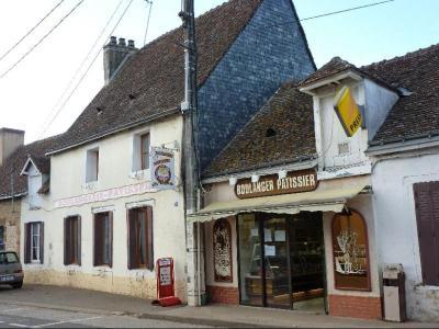 Fonds et murs commerciaux a vendre Saint-Marceau 72170 Sarthe 106 m2  155872 euros