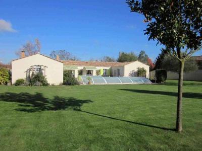 Maison a vendre Saint-Jean-de-Beugné 85210 Vendee 217 m2 7 pièces 372170 euros