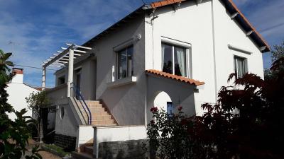 Maison a vendre Challans 85300 Vendee 180 m2 8 pièces 202222 euros