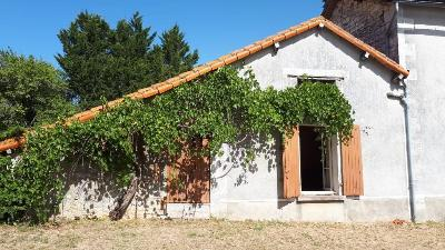 Maison a vendre Ruffec 16700 Charente 95 m2 5 pièces 84000 euros
