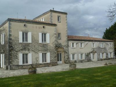 propriete a vendre Talmont-sur-Gironde 17120 Charente-Maritime 1080 m2 18 pièces 2250000 euros