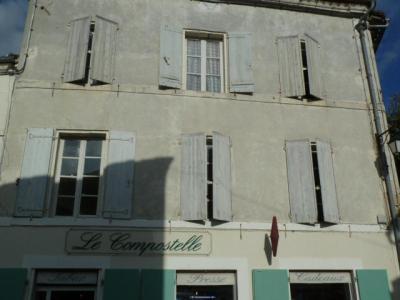Maison a vendre Aubeterre-sur-Dronne 16390 Charente 100 m2 8 pièces 135000 euros