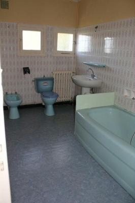 Immeuble de rapport a vendre Chalais 16210 Charente 210 m2  140000 euros