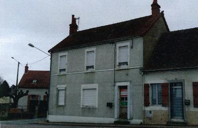Immeuble de rapport a vendre Bourbon-Lancy 71140 Saone-et-Loire  82700 euros