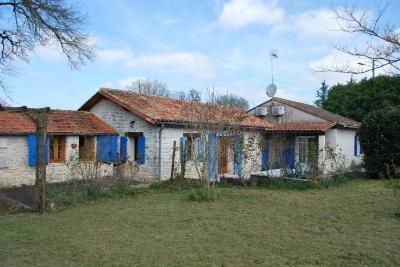 Maison a vendre Mareuil 24340 Dordogne 120 m2 5 pièces 215509 euros