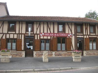 Fonds et murs commerciaux a vendre Châlons-en-Champagne 51000 Marne 327 m2  260000 euros