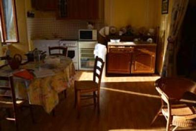 Immeuble de rapport a vendre Rieupeyroux 12240 Aveyron 320 m2  189000 euros