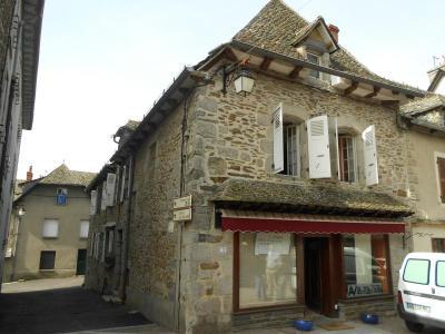 Maison a vendre Montsalvy 15120 Cantal  150702 euros