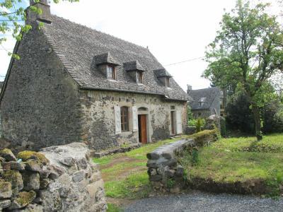 Maison a vendre Pleaux 15700 Cantal  171500 euros