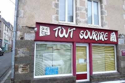 Immeuble de rapport a vendre Ambrières-les-Vallées 53300 Mayenne 102 m2  37100 euros