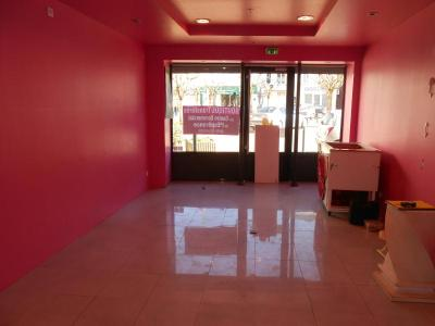 Location fonds et murs commerciaux Nogent-le-Rotrou 28400 Eure-et-Loir 50 m2  1080 euros