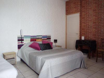 Fonds et murs commerciaux a vendre 26 Drome 750 m2  127000 euros