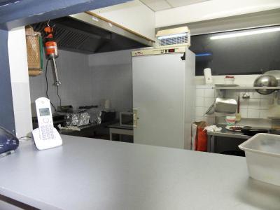 Fonds et murs commerciaux a vendre Rodez 12000 Aveyron  73500 euros