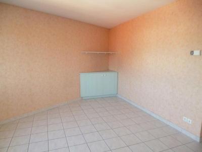 Location appartement Bourg-en-Bresse 01000 Ain 31 m2 1 pièce 320 euros