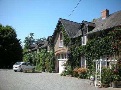 Maison a vendre Gennes-sur-Glaize 53200 Mayenne 477 m2 14 pièces 300072 euros
