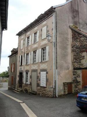 Maison a vendre Pleaux 15700 Cantal 9 pièces 42400 euros