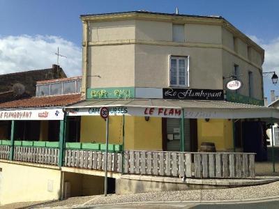 Immeuble de rapport a vendre Pons 17800 Charente-Maritime 296 m2  157020 euros