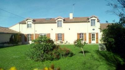 Maison a vendre Bouillé-Loretz 79290 Deux-Sevres 250 m2 10 pièces 199800 euros
