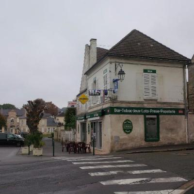 Fonds et murs commerciaux a vendre Attichy 60350 Oise 83 m2  238272 euros