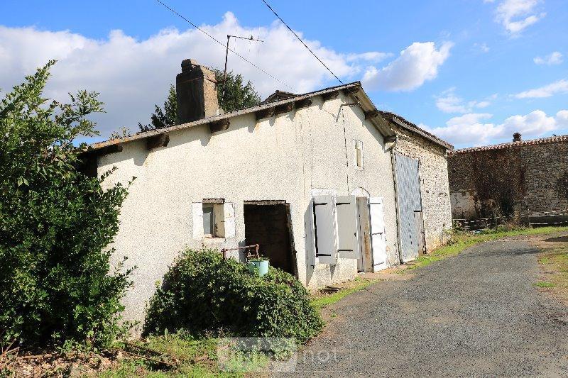 Achat maison a vendre saint sauvant 86600 vienne 160 m2 for Maison a chat